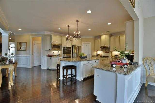$577,400 - 5Br/5Ba -  for Sale in Summerwood, Mint Hill