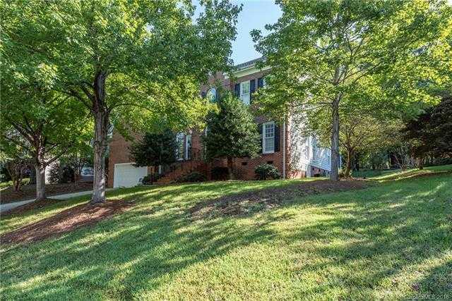 $389,900 - 4Br/3Ba -  for Sale in Highland Creek, Charlotte