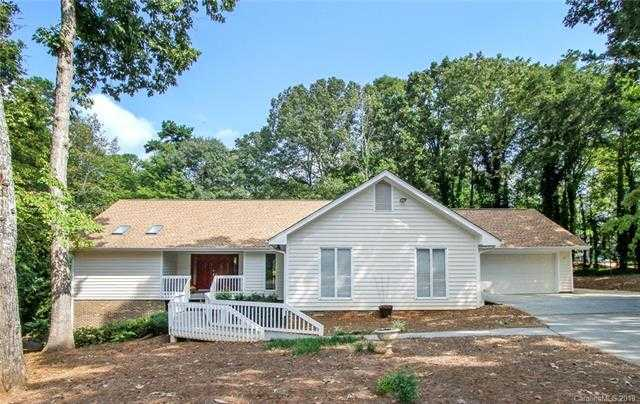 $447,000 - 4Br/4Ba -  for Sale in River Hills, Lake Wylie