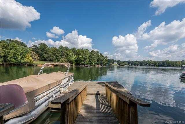 $659,900 - 4Br/3Ba -  for Sale in Tega Cay, Tega Cay