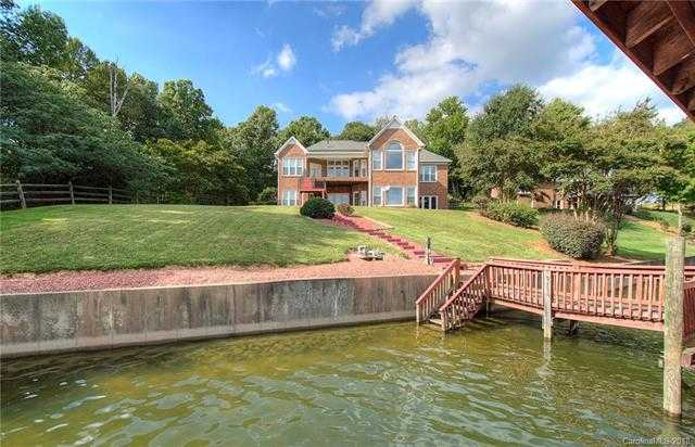 $849,000 - 3Br/4Ba -  for Sale in Lake Wylie, Charlotte