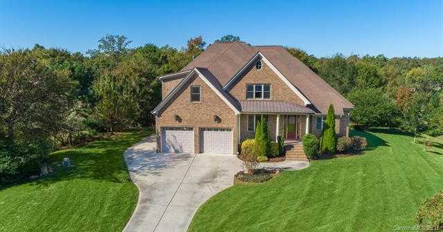$495,000 - 4Br/4Ba -  for Sale in Masons Crossing, Lake Wylie
