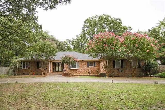 $589,900 - 4Br/3Ba -  for Sale in Steele Creek, Charlotte