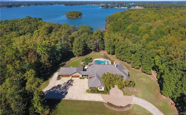 $5,200,000 - 6Br/10Ba -  for Sale in None, Mooresville