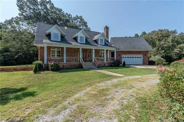 $440,000 - 3Br/3Ba -  for Sale in None, Clover