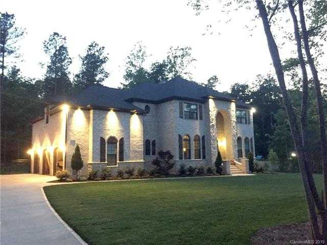 $699,990 - 4Br/5Ba -  for Sale in The Coves On River Oaks, Lake Wylie