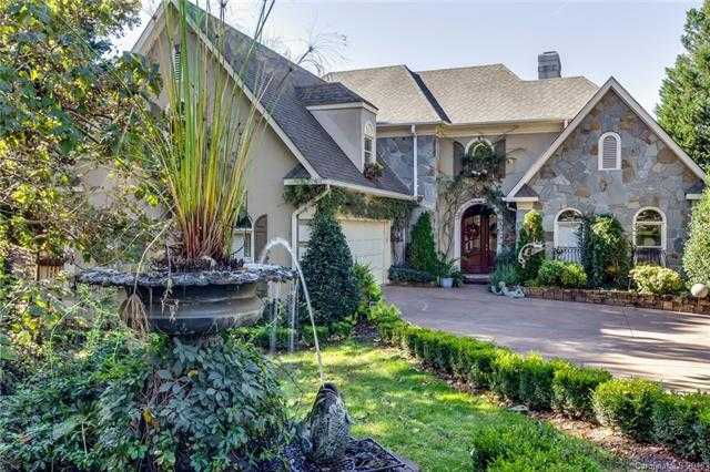 $600,000 - 5Br/5Ba -  for Sale in Riverpointe, Charlotte