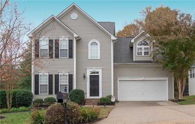 $262,500 - 3Br/3Ba -  for Sale in Autumn Cove At Lake Wylie, Clover