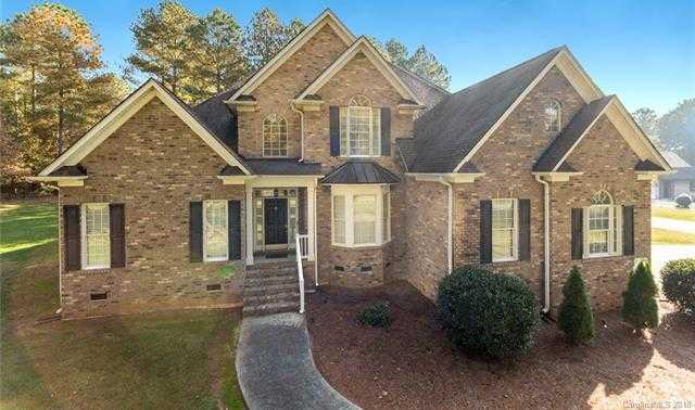 $500,000 - 4Br/4Ba -  for Sale in Tioga Pointe, Clover