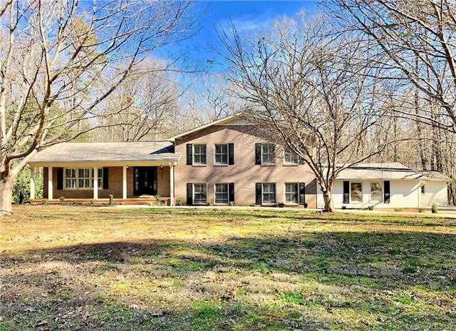 $369,900 - 4Br/3Ba -  for Sale in Rawlinson Acres I, Rock Hill