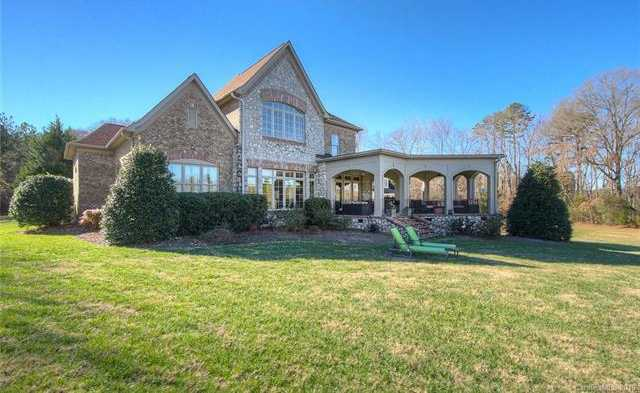 $875,000 - 3Br/3Ba -  for Sale in Lake Wylie, York