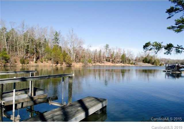 $825,000 - 4Br/4Ba -  for Sale in Mariners Bluff, York