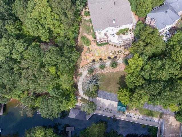 $969,000 - 7Br/5Ba -  for Sale in Anchorage, Tega Cay
