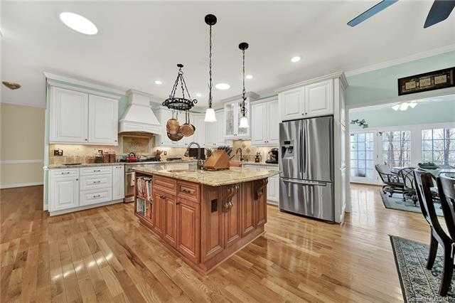 $519,999 - 4Br/4Ba -  for Sale in None, Clover