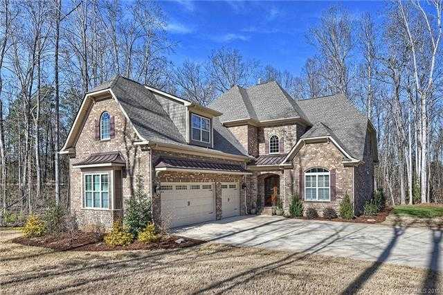 $649,900 - 4Br/5Ba -  for Sale in The Coves On River Oaks, Lake Wylie
