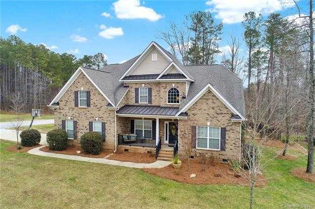 $450,000 - 4Br/4Ba -  for Sale in Handsmill On Lake Wylie, York