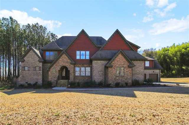 $725,000 - 5Br/6Ba -  for Sale in Irongate, Clover