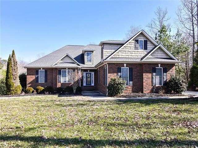 $430,000 - 3Br/3Ba -  for Sale in Masons Crossing, Lake Wylie