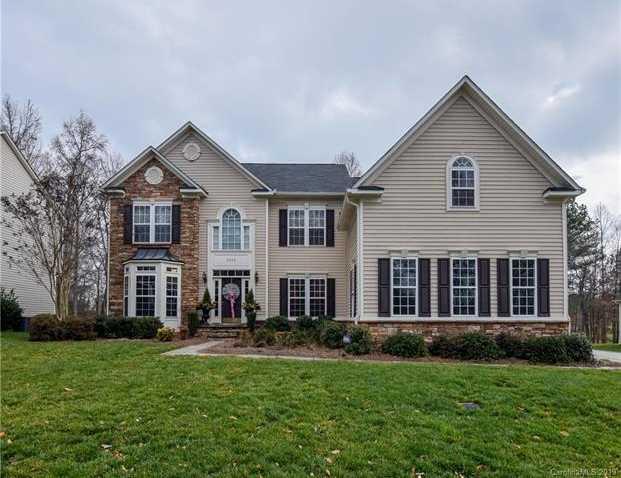 $435,000 - 5Br/4Ba -  for Sale in Bethesda Oaks, Gastonia