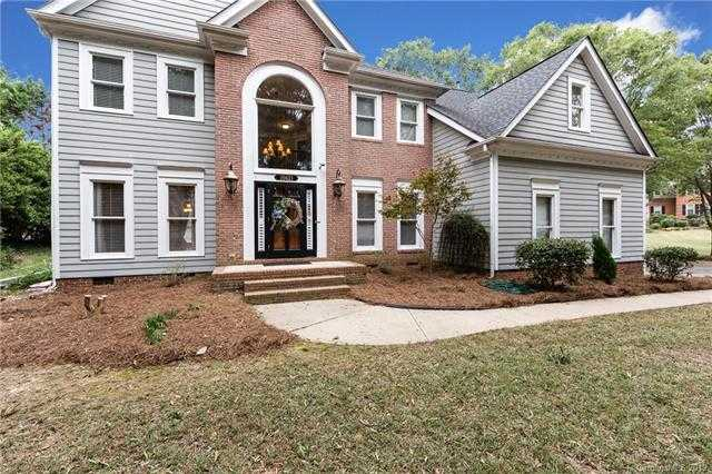 $359,500 - 4Br/3Ba -  for Sale in Riverpointe, Charlotte