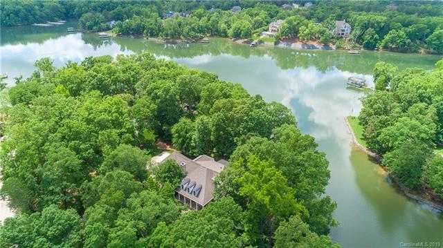 $1,100,000 - 4Br/5Ba -  for Sale in None, Lake Wylie