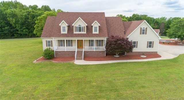 $480,000 - 3Br/4Ba -  for Sale in None, York