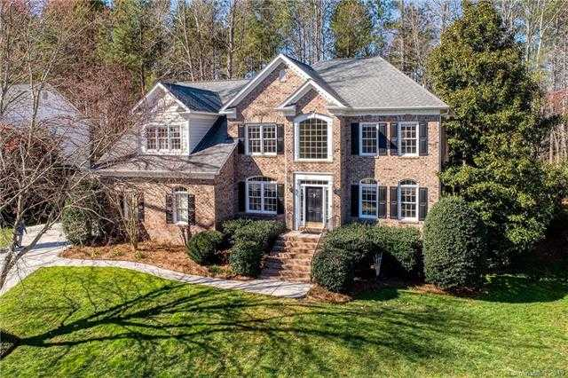 $439,900 - 5Br/3Ba -  for Sale in The Landing, Lake Wylie