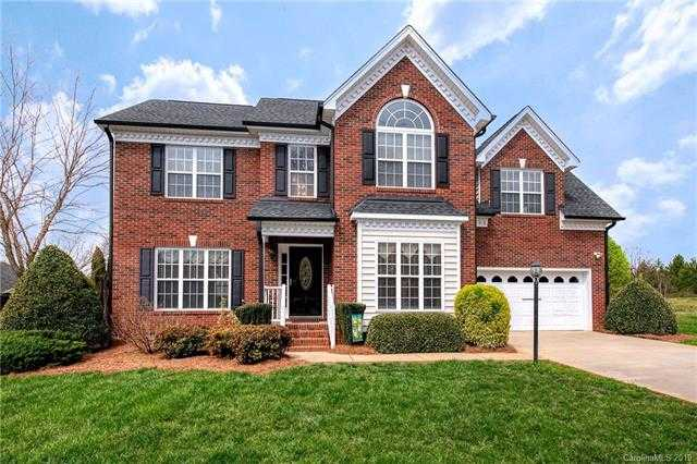 $289,000 - 3Br/3Ba -  for Sale in Forest Pointe, Gastonia