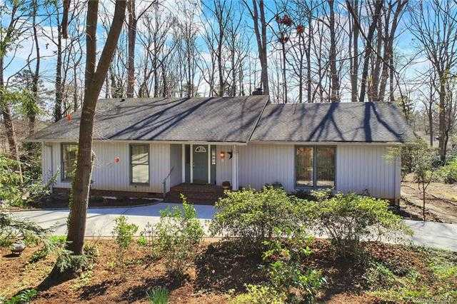 $342,000 - 3Br/3Ba -  for Sale in River Hills, Lake Wylie