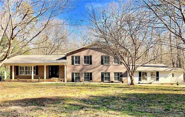 $364,900 - 4Br/3Ba -  for Sale in Rawlinson Acres I, Rock Hill