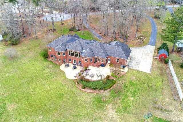 $825,000 - 4Br/4Ba -  for Sale in Shiloh Farms, York