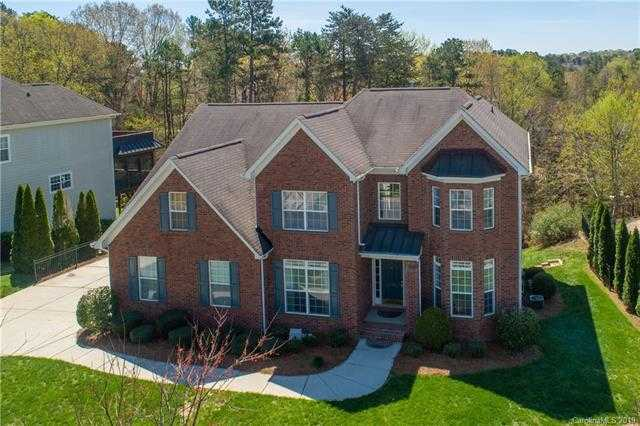 $519,990 - 5Br/4Ba -  for Sale in Lake Shore, Tega Cay