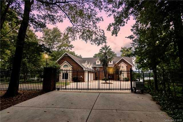 $879,000 - 3Br/4Ba -  for Sale in None, Lake Wylie