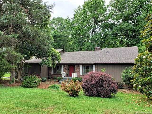 $359,900 - 4Br/3Ba -  for Sale in River Hills, Lake Wylie