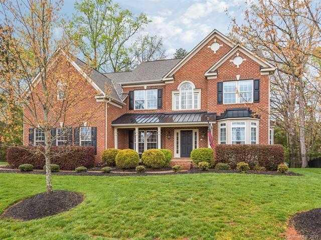 $449,000 - 5Br/5Ba -  for Sale in Oakton, Lake Wylie