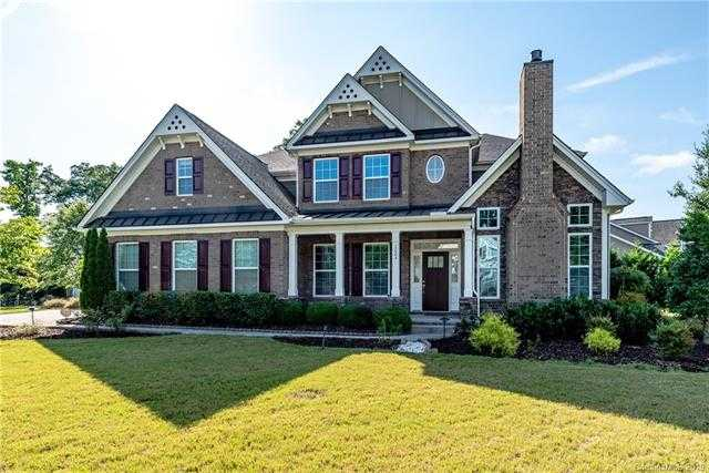 $500,000 - 5Br/5Ba -  for Sale in Lake Ridge, Tega Cay