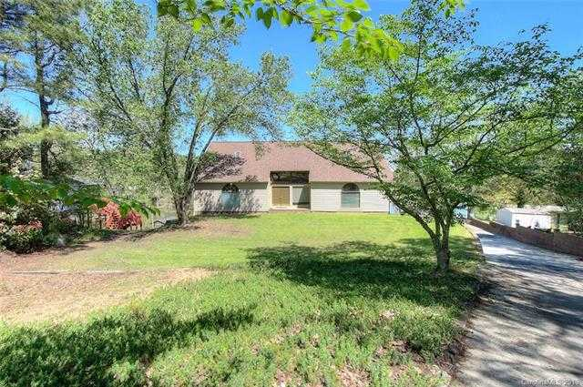 $589,000 - 3Br/4Ba -  for Sale in Lake Wylie, Lake Wylie
