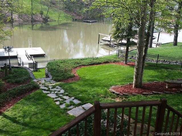 $695,000 - 3Br/2Ba -  for Sale in Lake Wylie, Charlotte