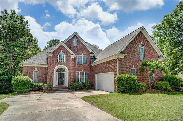 $510,000 - 5Br/4Ba -  for Sale in Seven Coves, Tega Cay