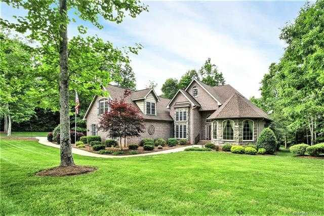 $485,000 - 4Br/3Ba -  for Sale in Masons Crossing, Lake Wylie