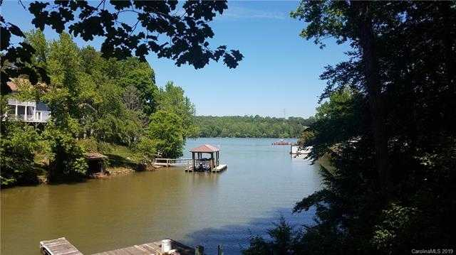 $385,000 - 2Br/3Ba -  for Sale in None, Lake Wylie