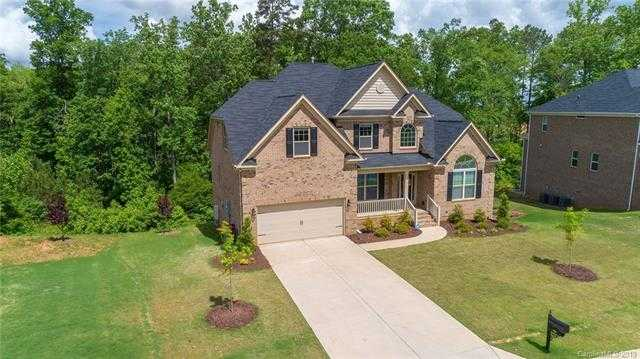 $495,000 - 4Br/5Ba -  for Sale in Tullamore, Lake Wylie