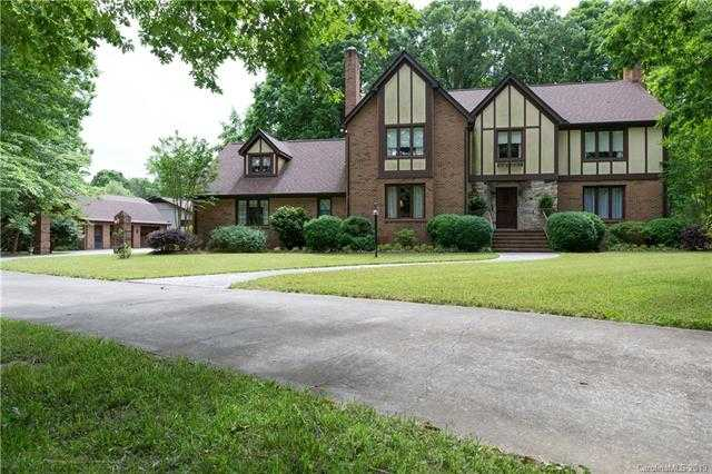 $589,900 - 5Br/4Ba -  for Sale in None, Clover