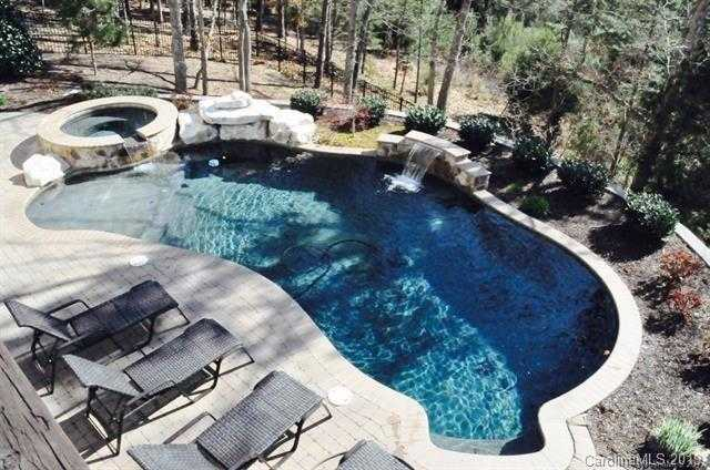 $629,900 - 5Br/4Ba -  for Sale in Chestnut Hill, Tega Cay