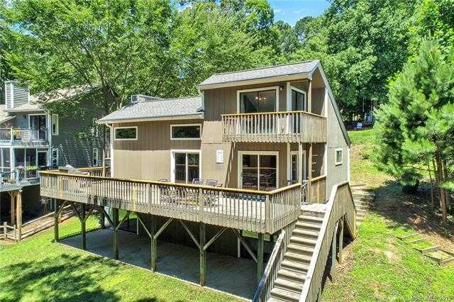 $525,000 - 3Br/3Ba -  for Sale in Tega Cay, Tega Cay
