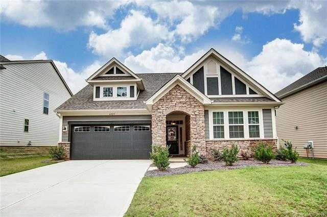 $319,000 - 3Br/3Ba -  for Sale in Lake Crest, Lake Wylie