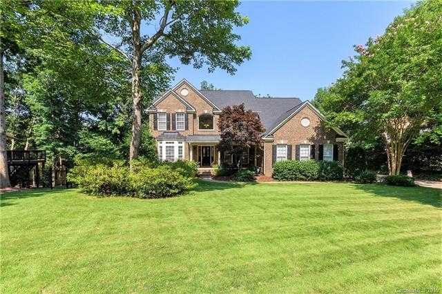 $549,000 - 4Br/4Ba -  for Sale in Riverpointe, Charlotte