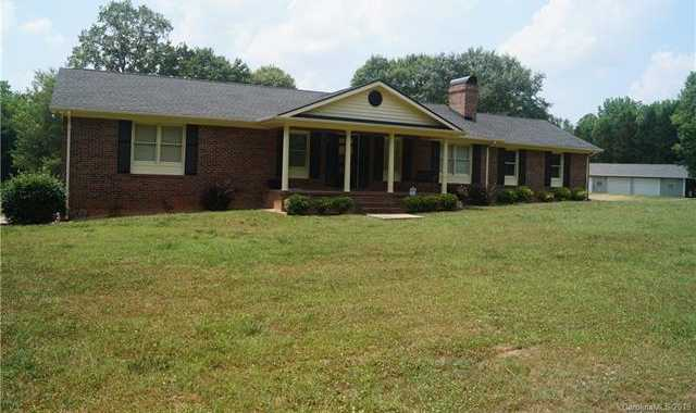 $1,400,000 - 3Br/3Ba -  for Sale in None, Fort Mill