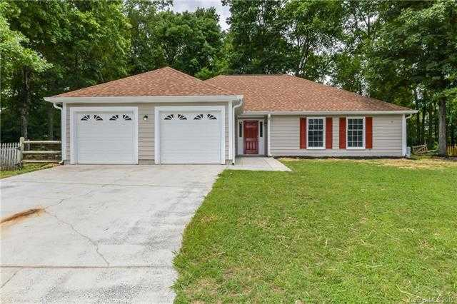 $259,900 - 3Br/2Ba -  for Sale in Yorkshire, Charlotte