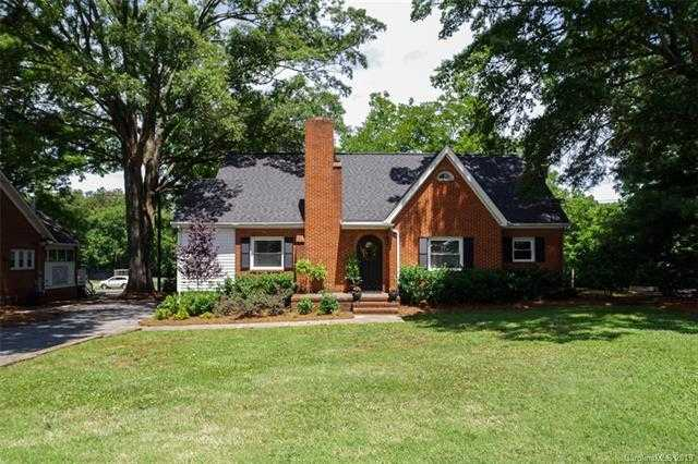 $499,000 - 6Br/2Ba -  for Sale in None, Mint Hill